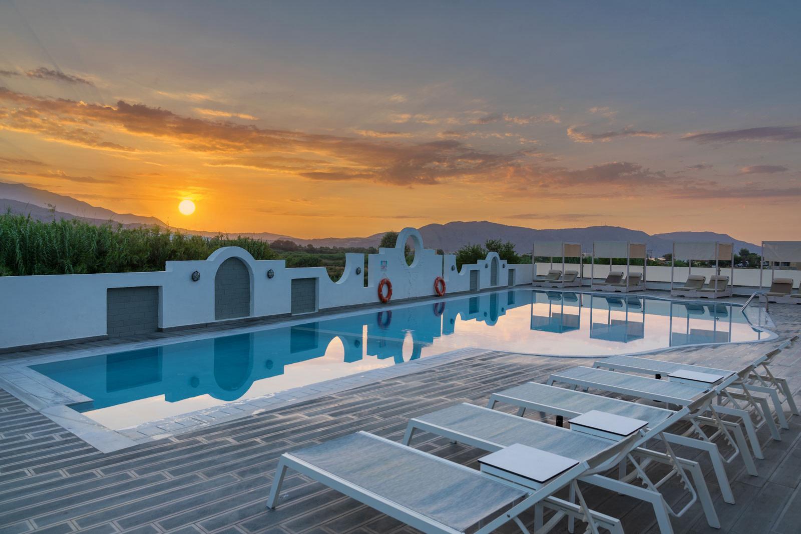 Pool View In Crete - Hotel Apollo